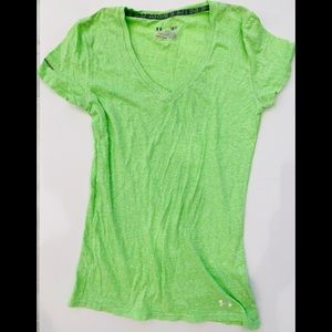 Under Armour Small Fitted Heat Gear V-neck T-shirt
